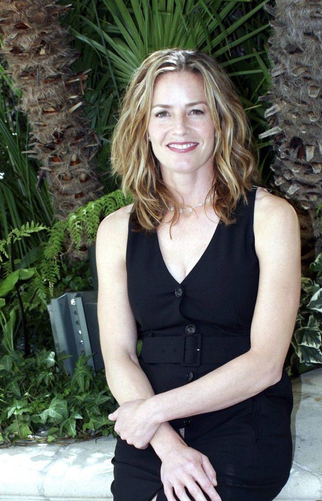 Elisabeth-Shue-Muscles-Pics