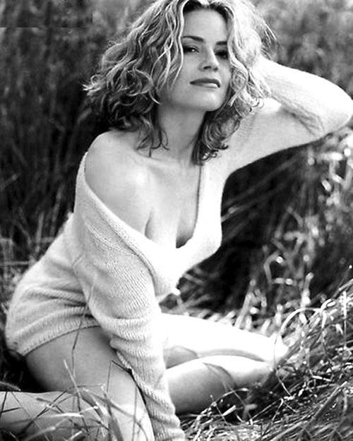Elisabeth-Shue-Skirt-Images