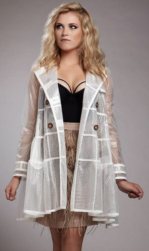 Eliza-Taylor-Bold-Images