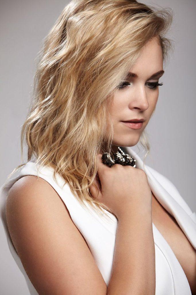 Eliza-Taylor-Haircut-Pics