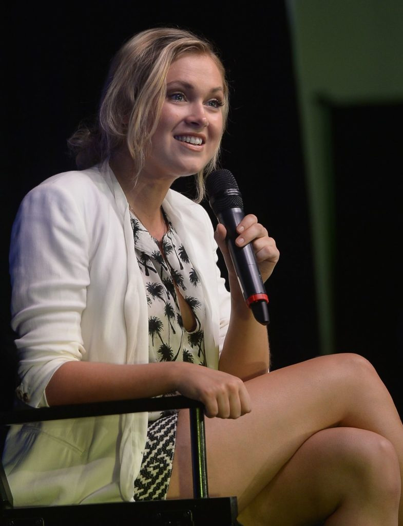 Eliza-Taylor-Upskirt-Images