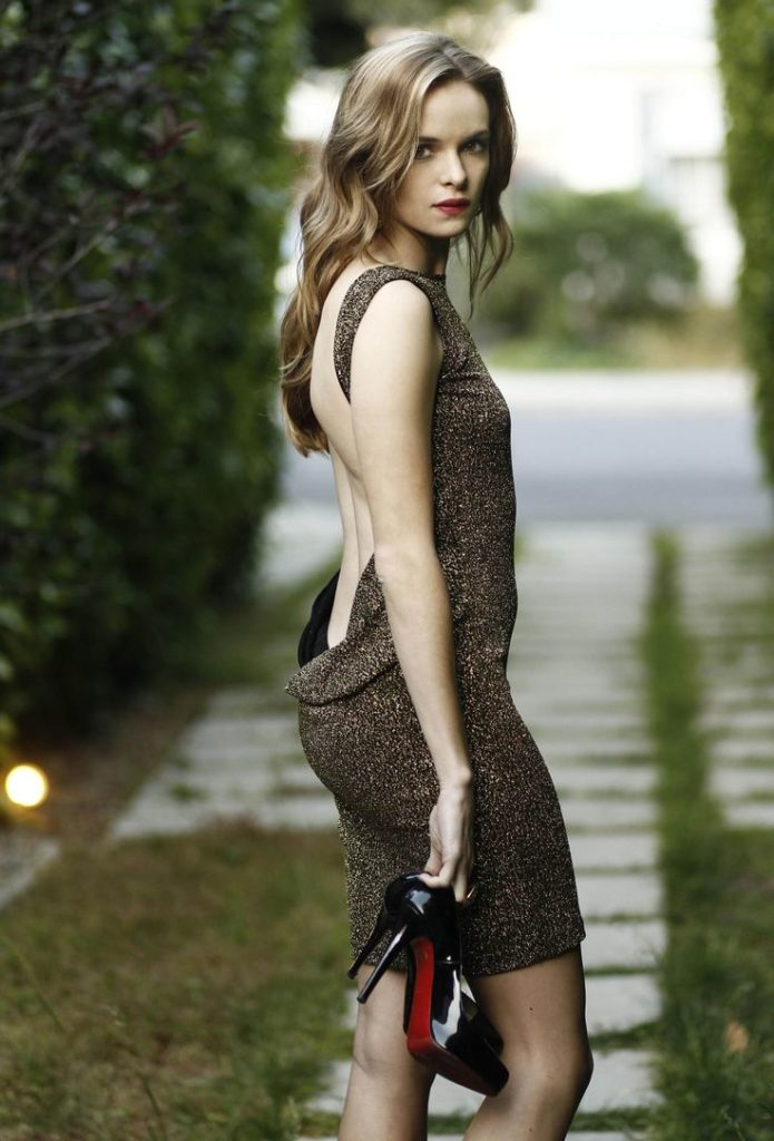 Danielle-Panabaker-Backless-Clothes-Pictures