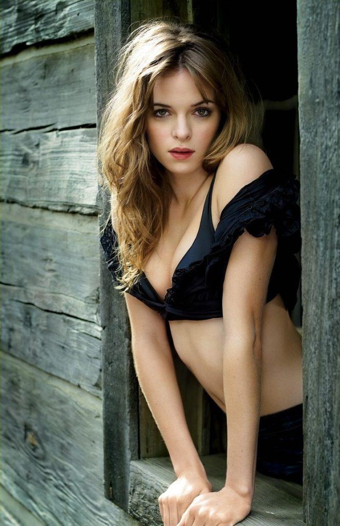 Danielle-Panabaker-Bra-Panty-Photos