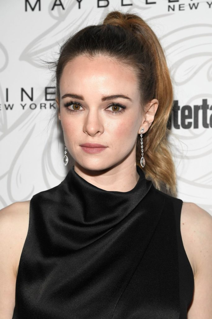 Danielle-Panabaker-Makeup-Pictures