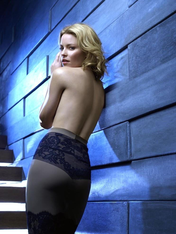 Elizabeth-Banks-Backless-Images