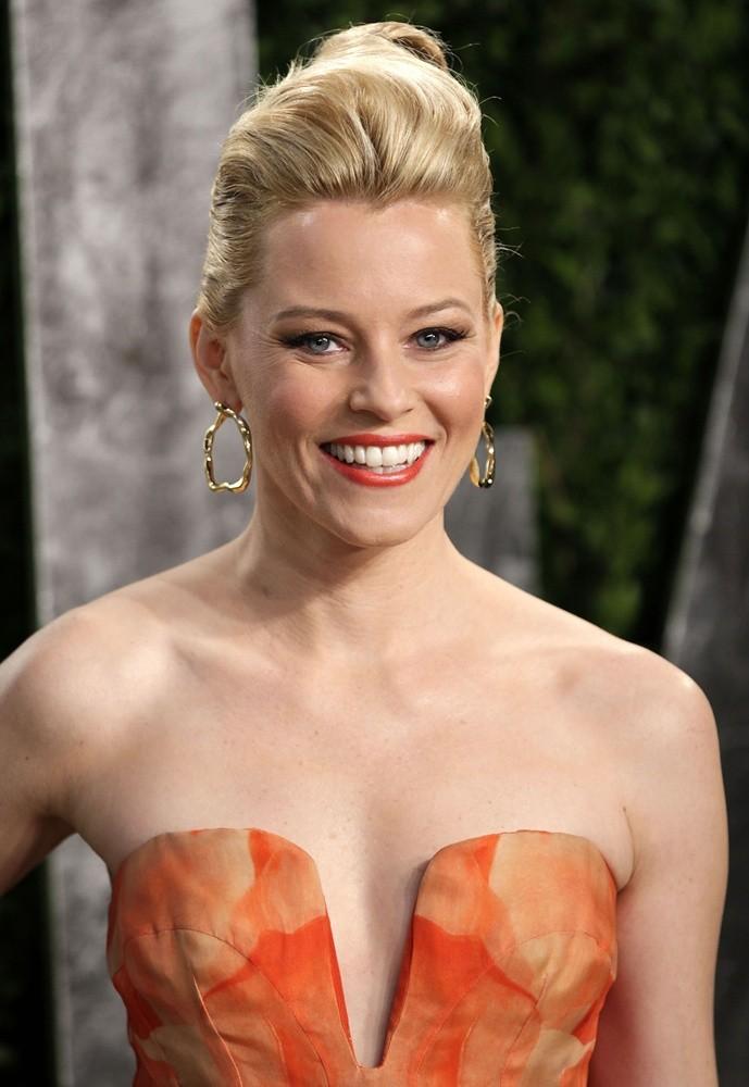 Elizabeth-Banks-Breast-Photos