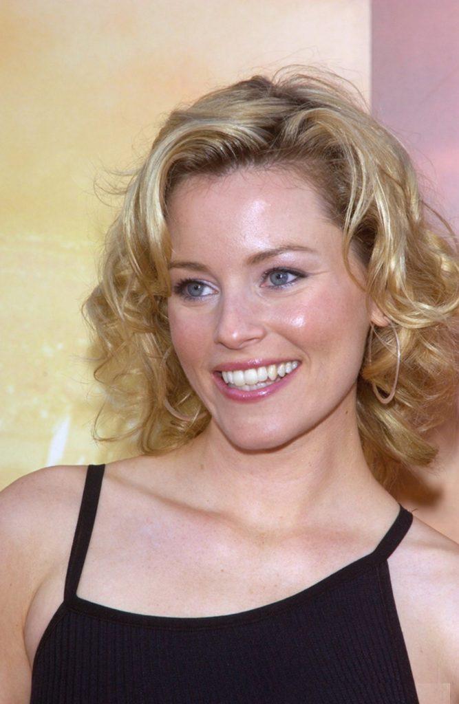 Elizabeth-Banks-Cute-Smile-Images
