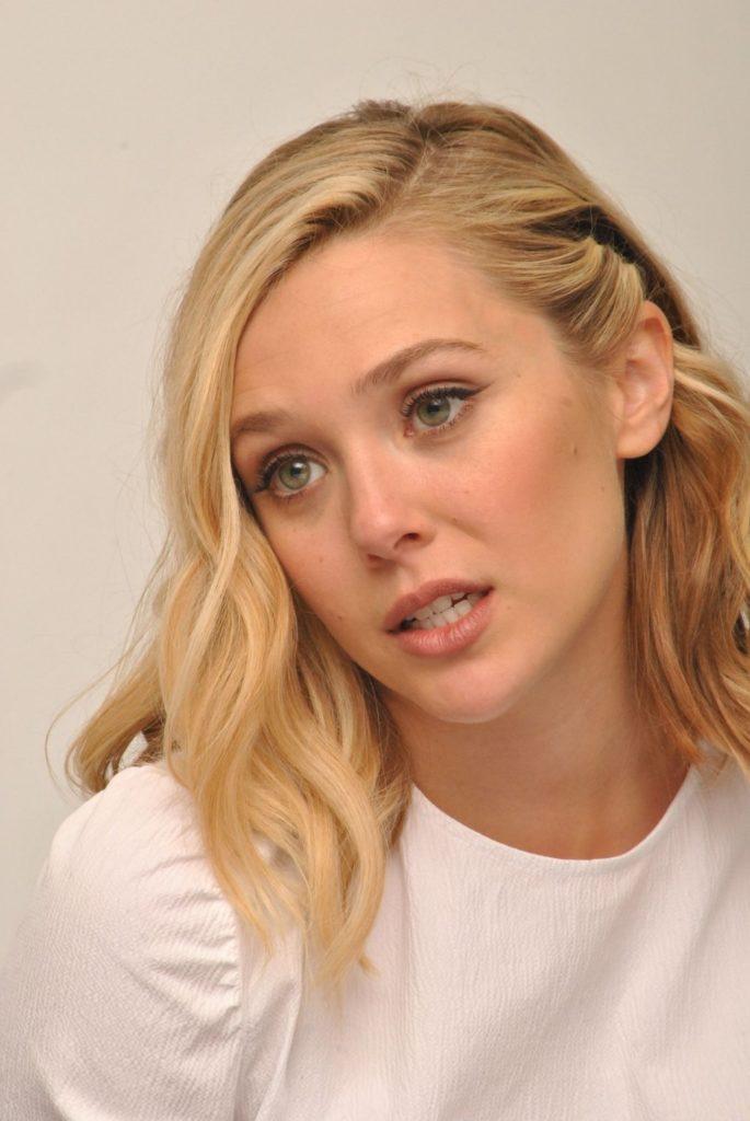 Elizabeth-Olsen-Cute-Pictures