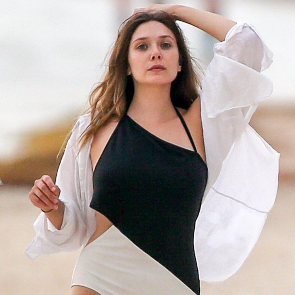 Elizabeth-Olsen-Swimsuit-Photos