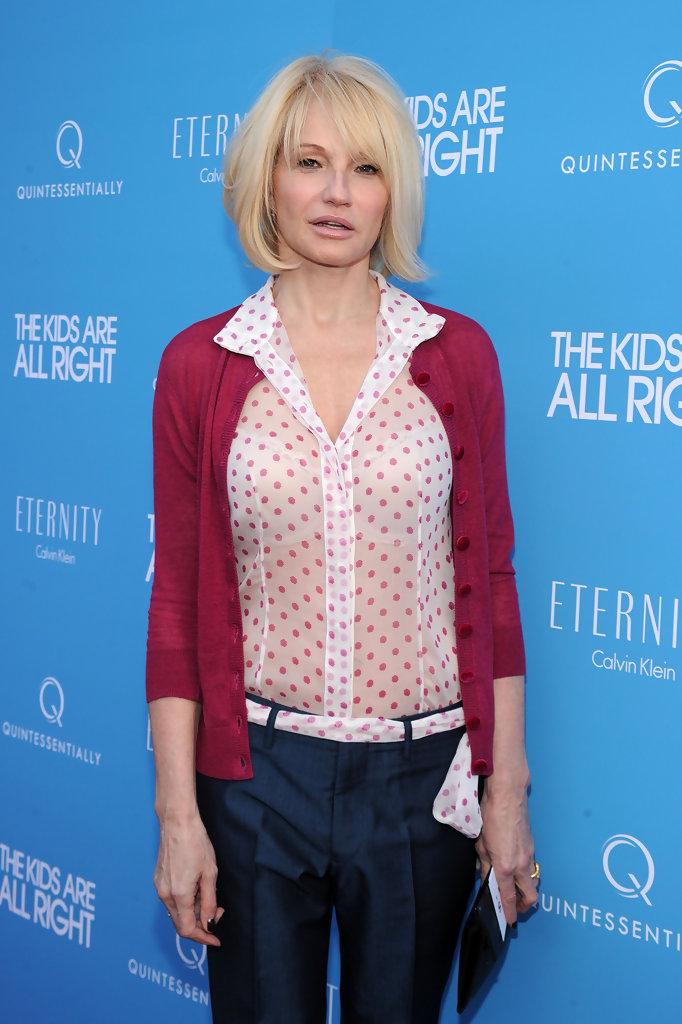 Ellen-Barkin-Jeans-Pics