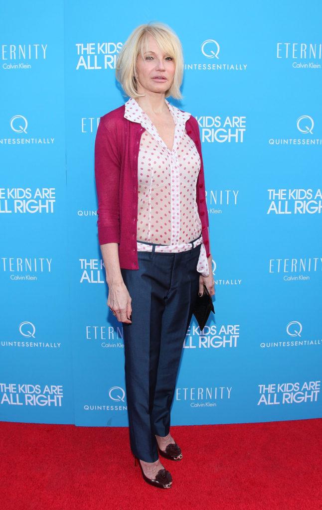 Ellen-Barkin-Jeans-Pictures