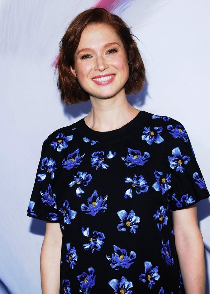Ellie-Kemper-Short-Hair-Wallpapers
