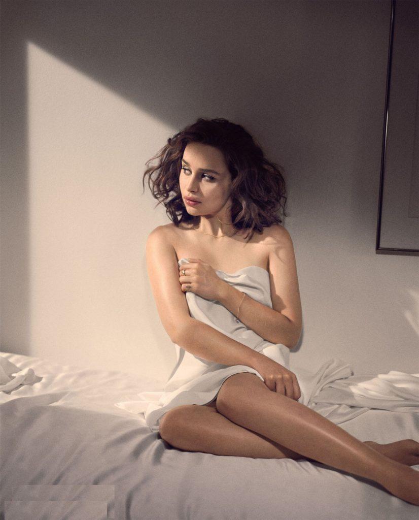 Emilia-Clarke-Swimsuit-Pictures
