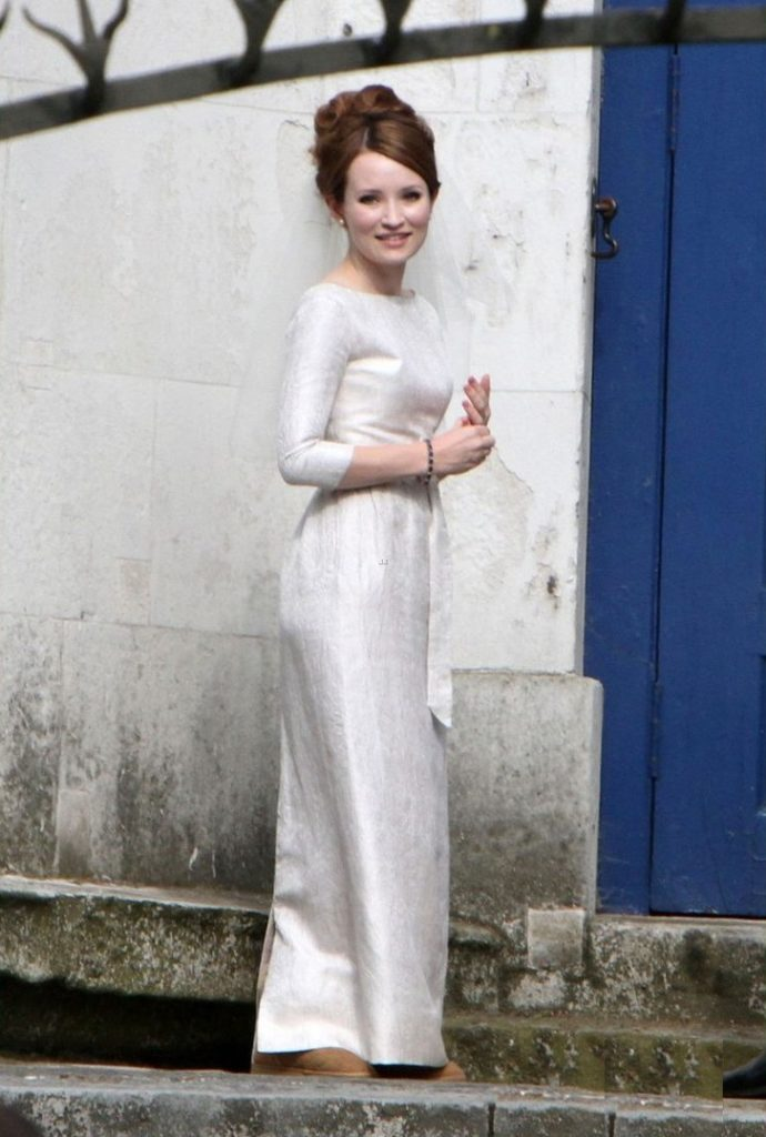 Emily-Browning-Butt-Pictures