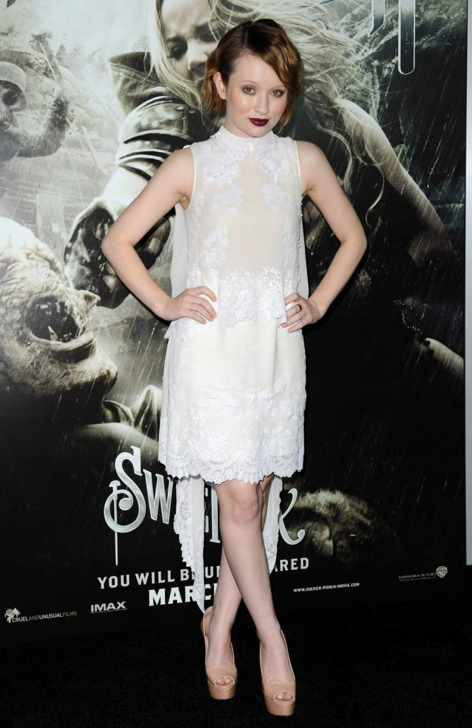 Emily-Browning-High-Heels-Pictures