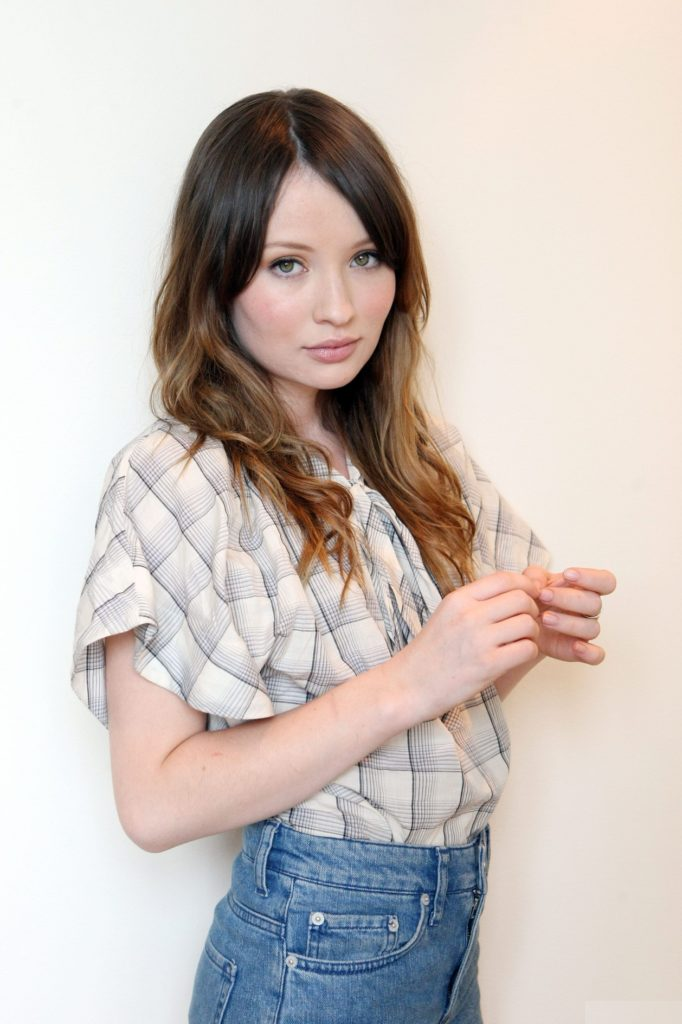 Emily-Browning-Jeans-Pictures