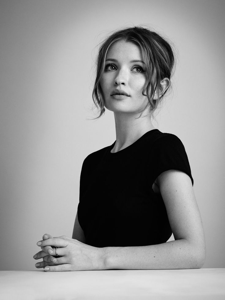 Emily-Browning-Muscles-Images
