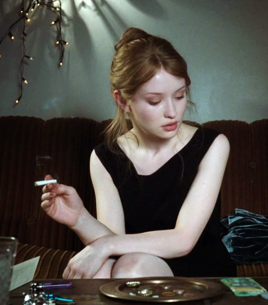 Emily-Browning-Smoking-Pictures