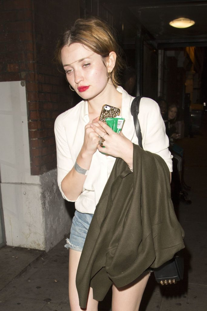 Emily-Browning-Upskirt-Images