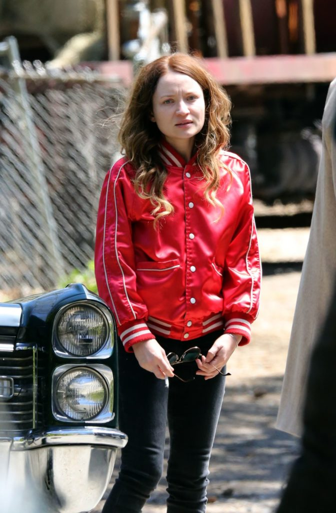 Emily-Browning-Workout-Images