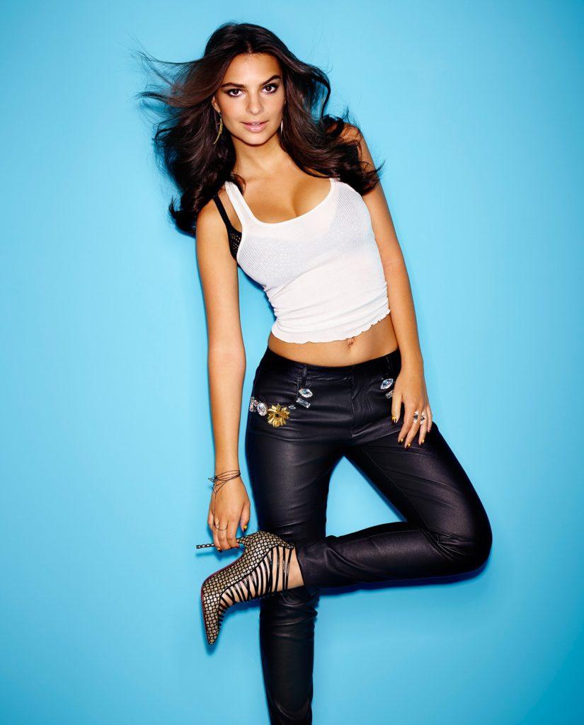 Emily-Ratajkowski-Jeans-Pics