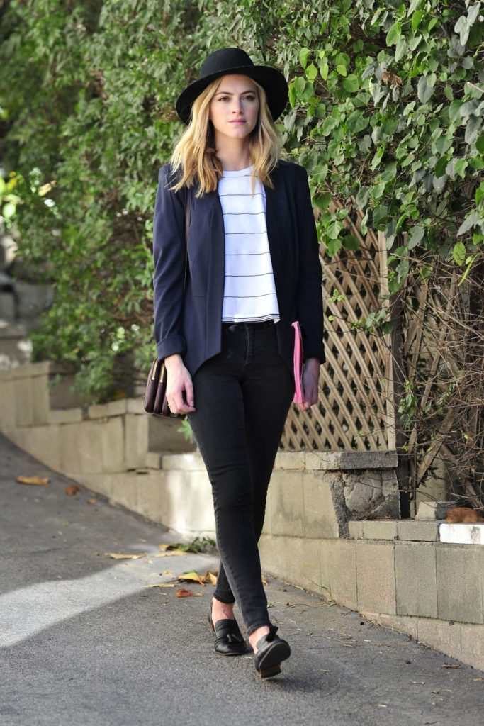Emily-Wickersham-Jeans-Pictures