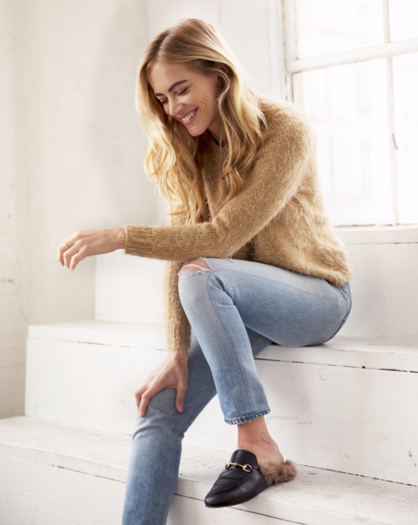 Emily-Wickersham-Jeans-Wallpapers