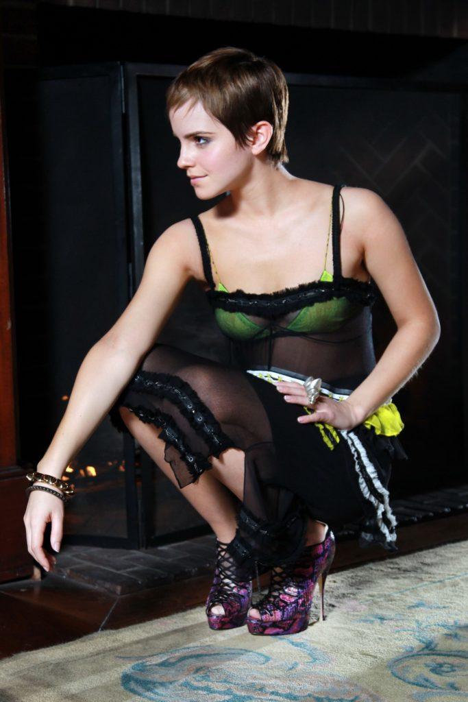Emma-Watson-Bra-Pictures