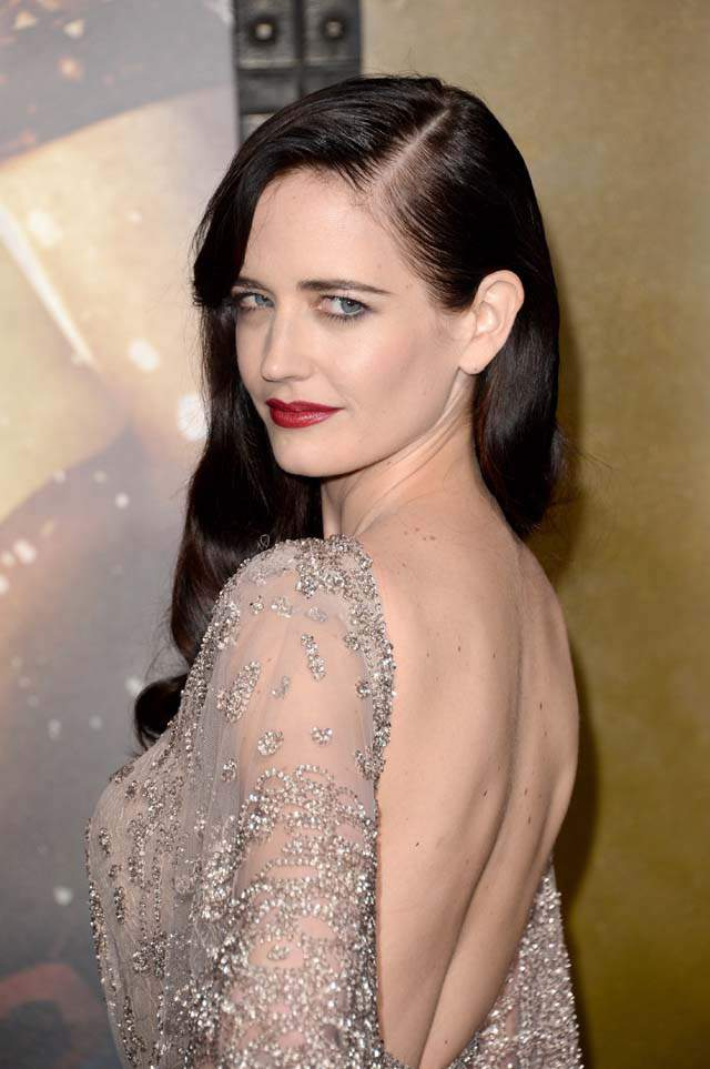 Eva-Green-Backless-Clothes-Pictures