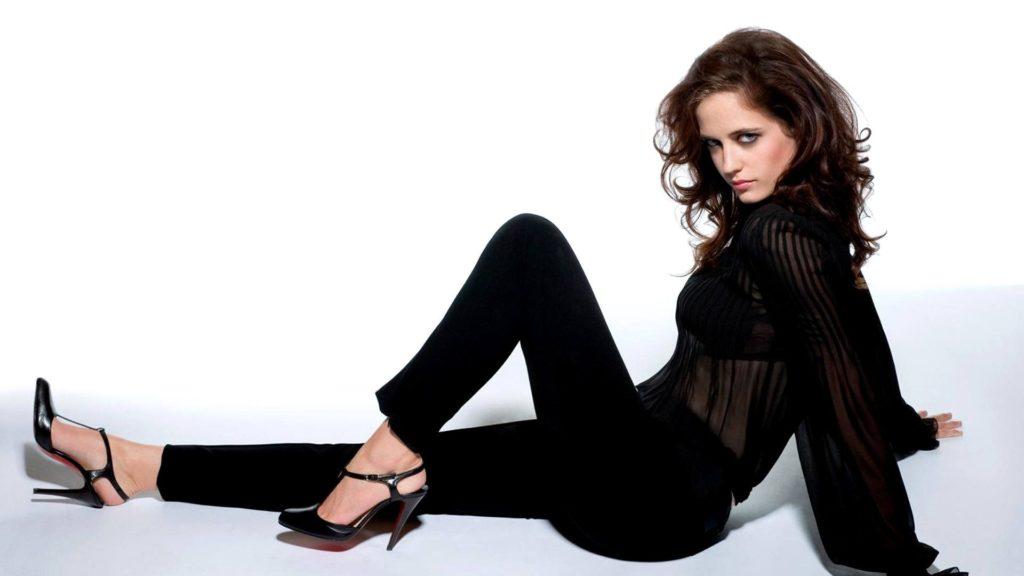 Eva-Green-Jeans-Photos