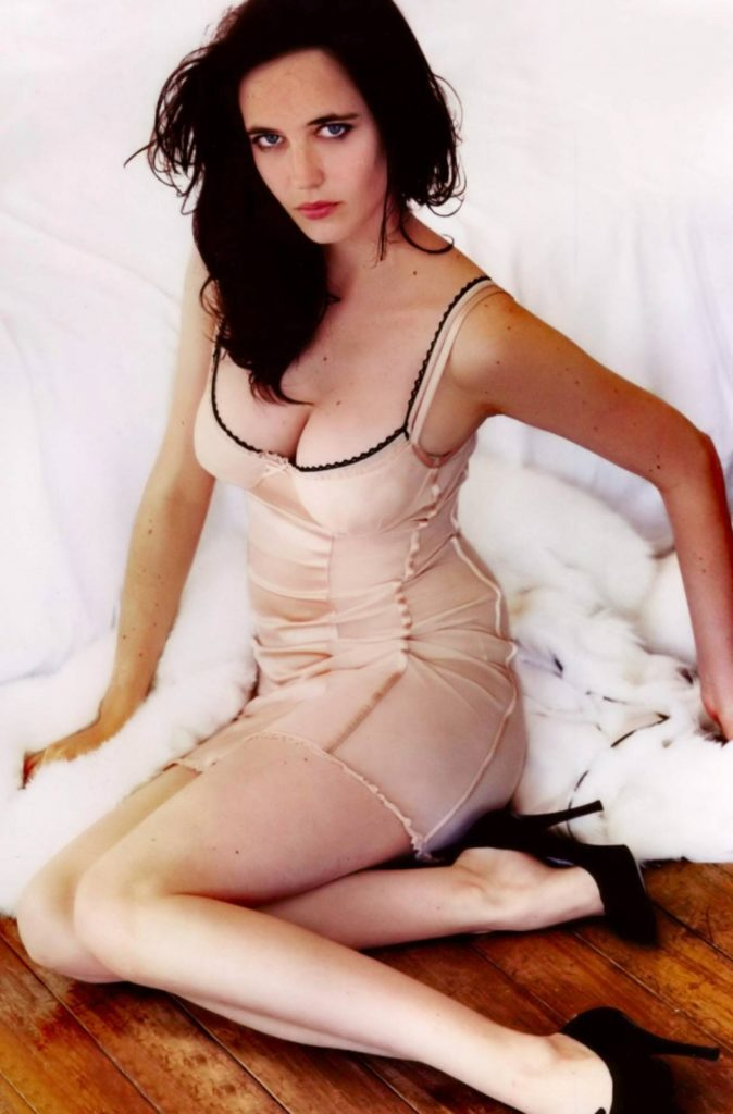 Eva-Green-Shorts-Pictures