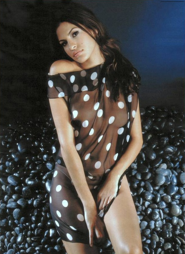 Eva-Mendes-Bikini-Pics