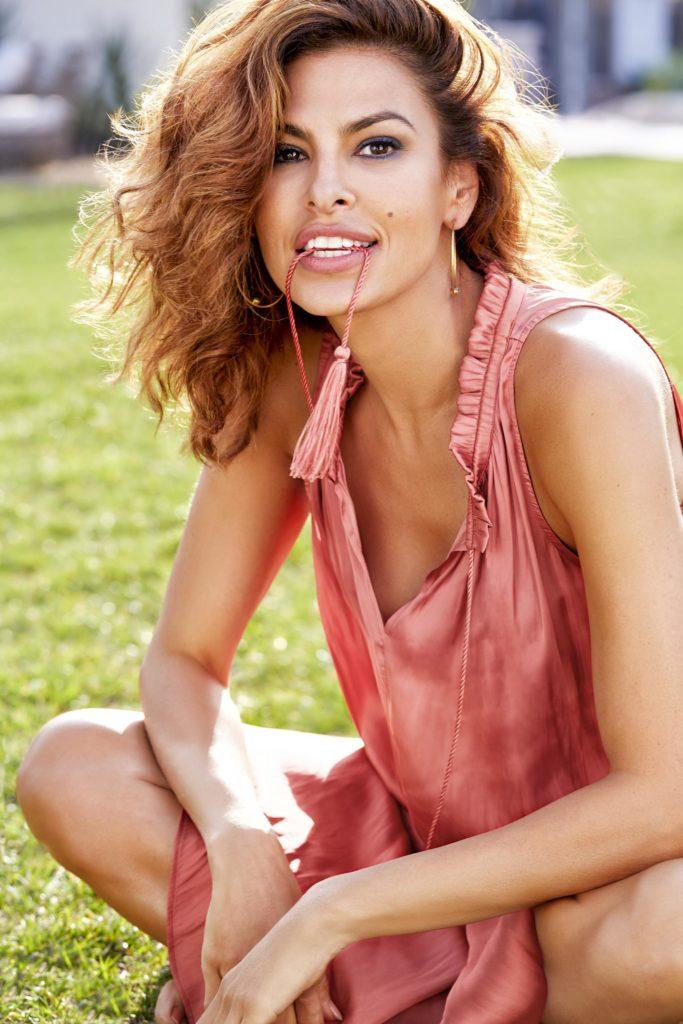 Eva-Mendes-Hot-Smile-Photos