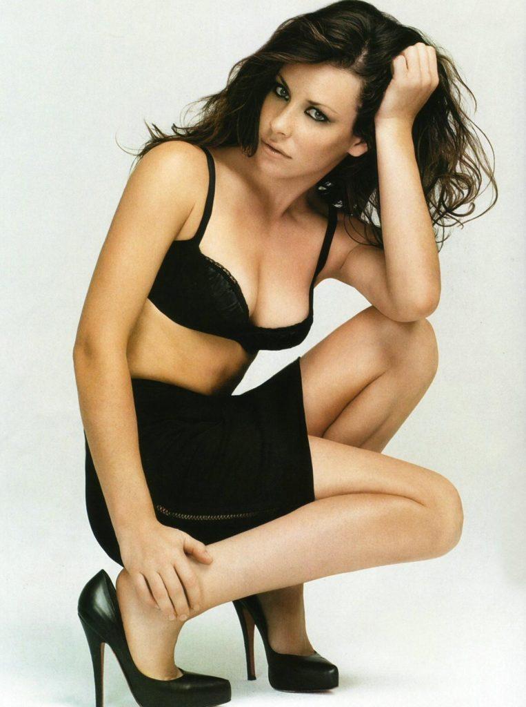 Evangeline-Lilly-Bra-Images