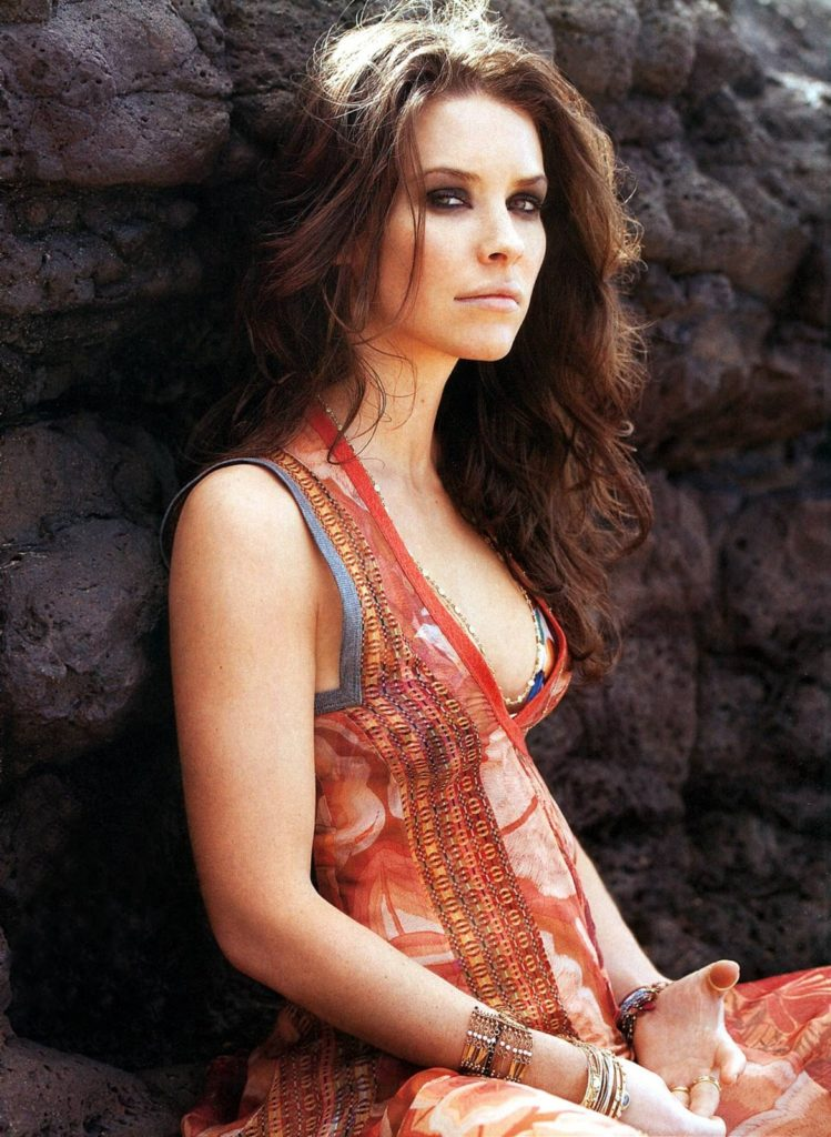 Evangeline-Lilly-Topless-Pictures