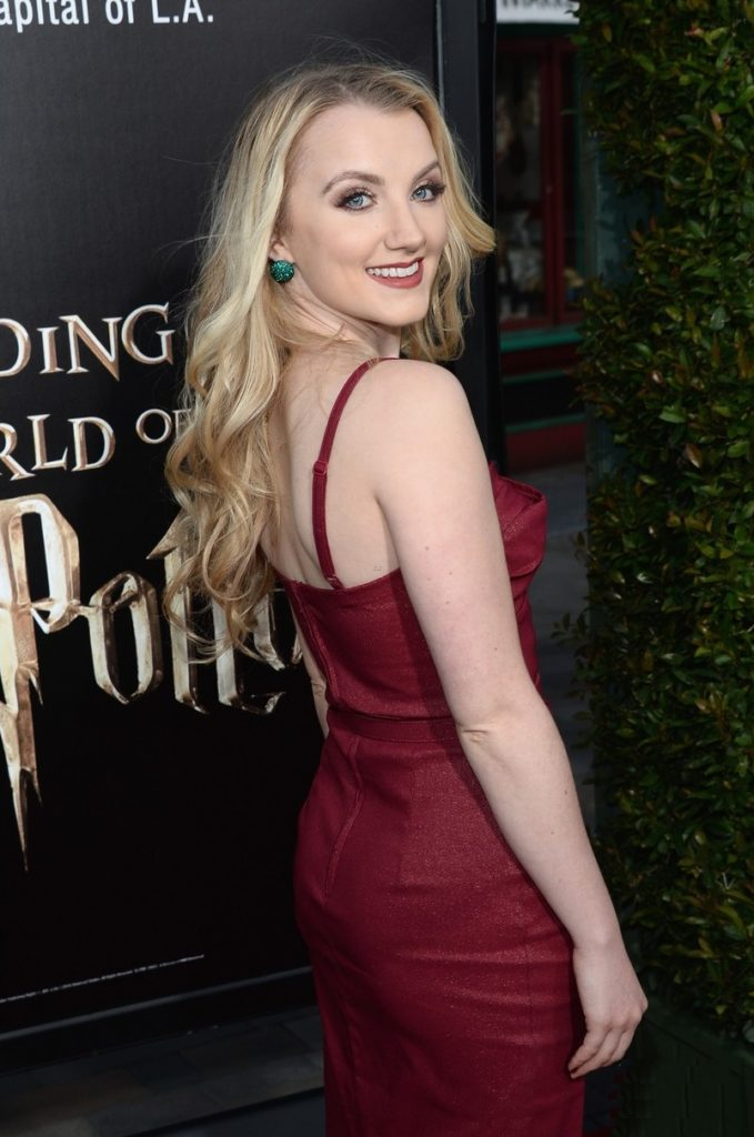 Evanna-Lynch-Backles-Pictures