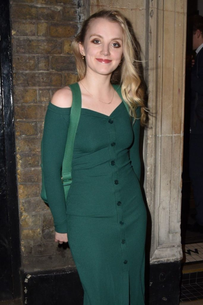 Evanna-Lynch-Gown-Images