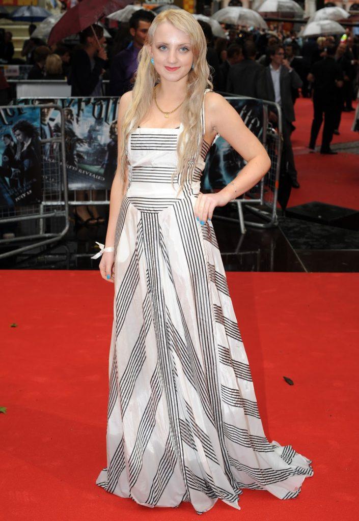 Evanna-Lynch-Gown-Pics