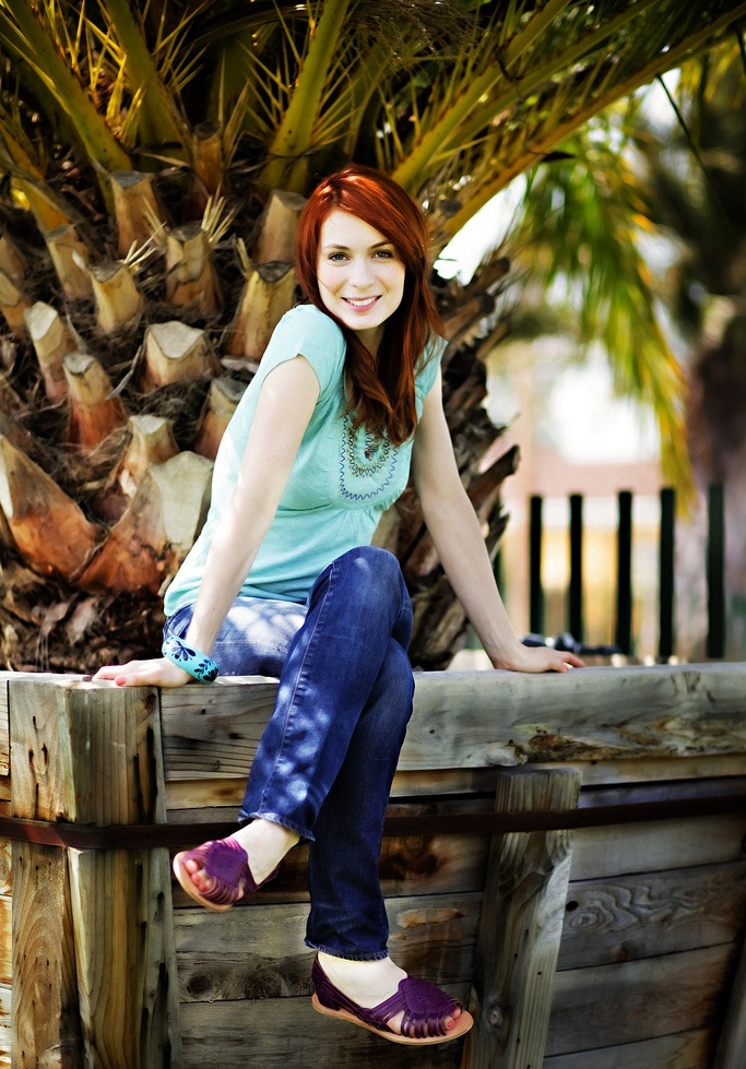 Felicia-Day-Body-Images