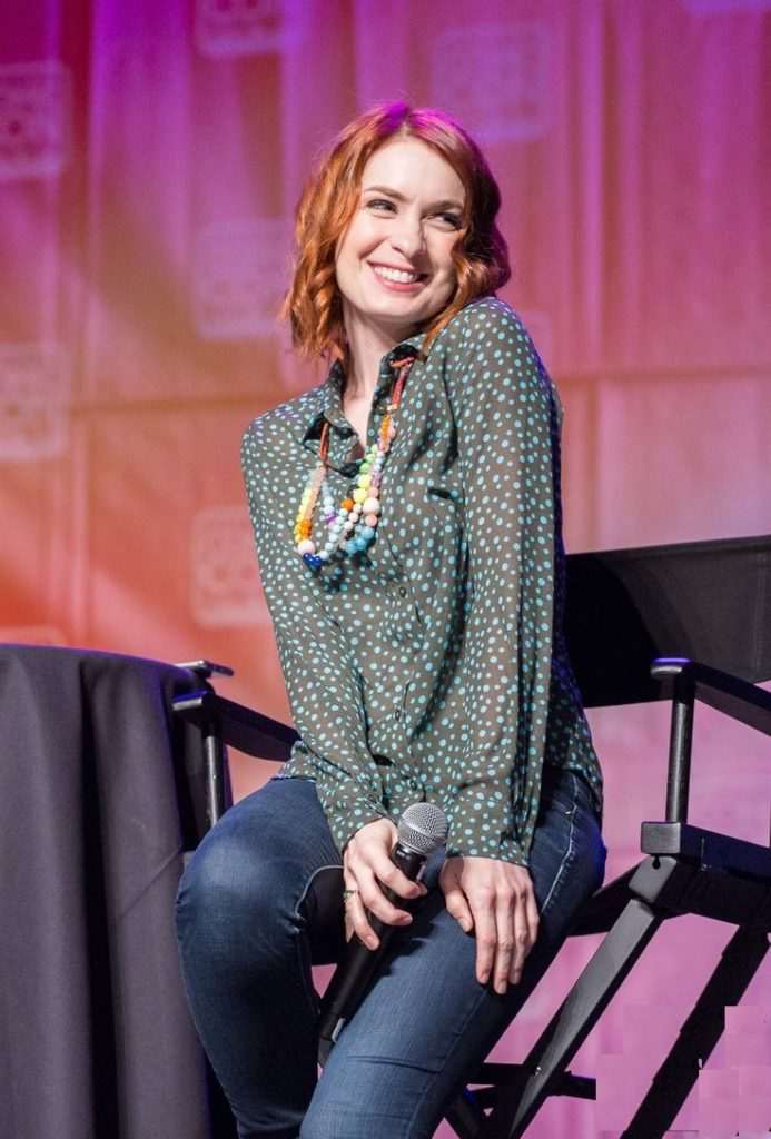 Felicia-Day-Jeans-Images