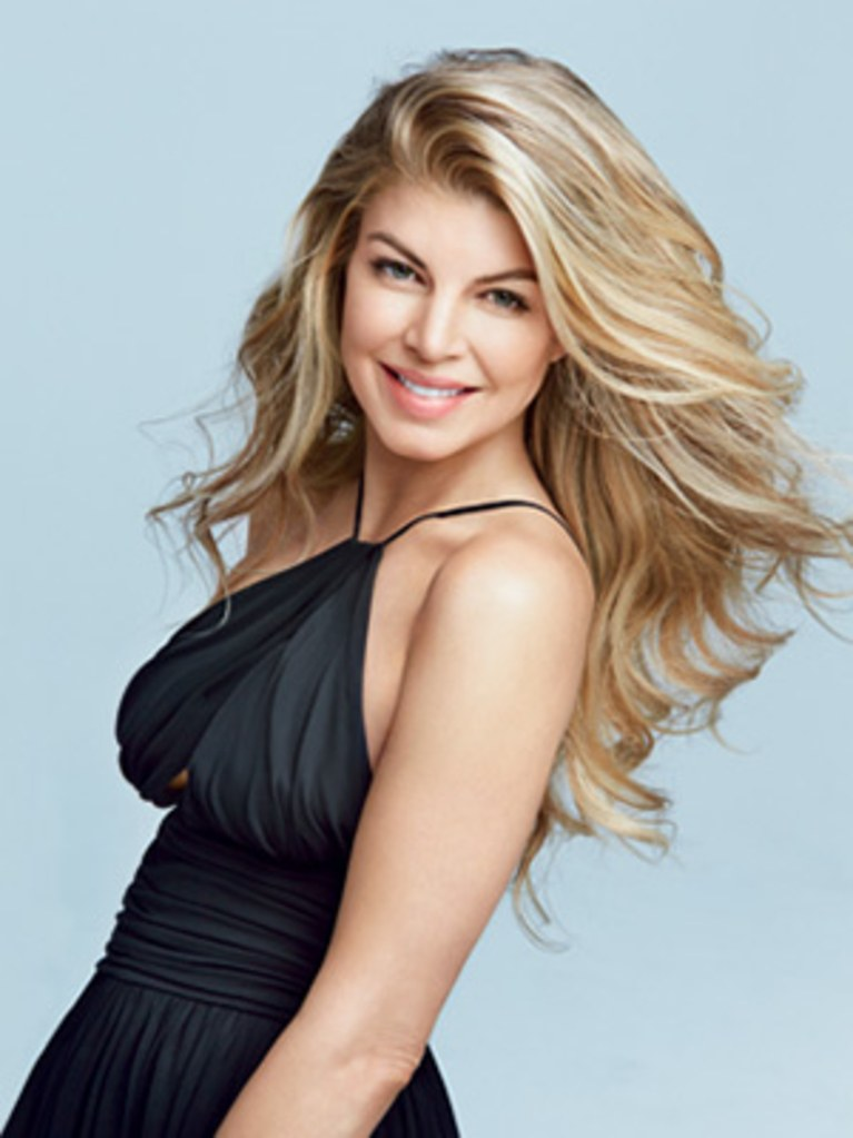 Fergie-Backless-Pictures