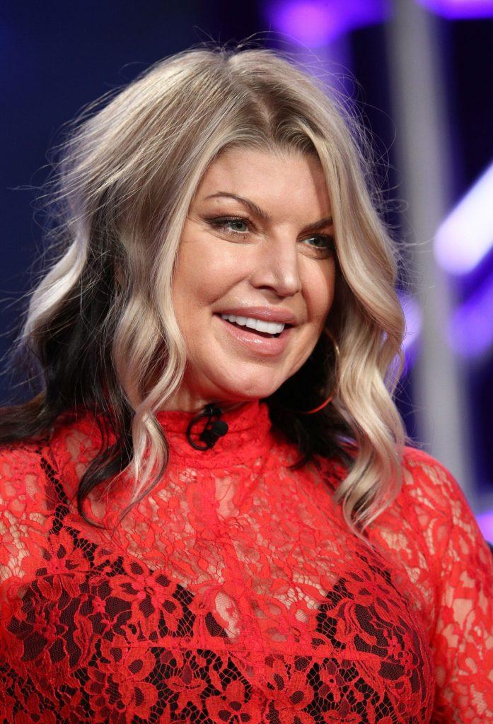 Fergie-Cute-Smile-Pics