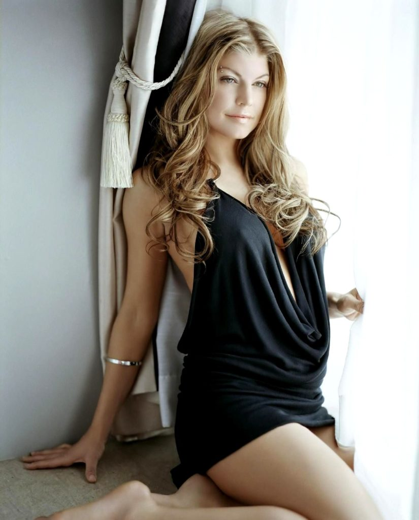 Fergie-Thighs-Photos