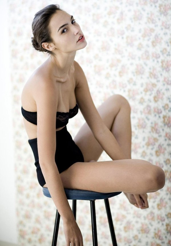 Gal-Gadot-Bikini-Bra-Pictures