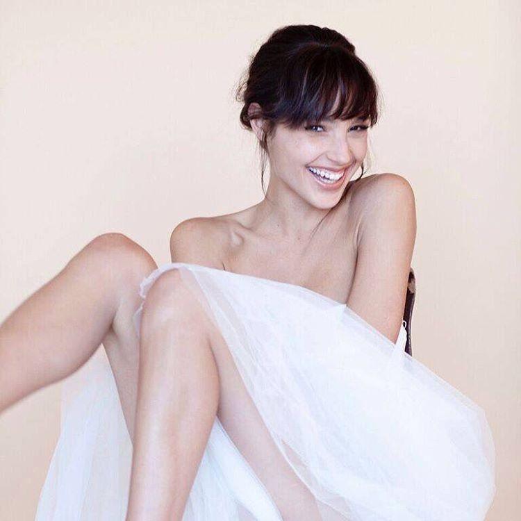 Gal-Gadot-Undergarments-Images