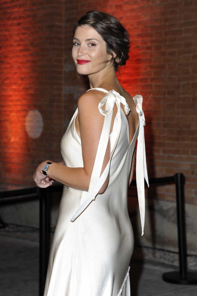 Gemma-Arterton-Hot-Sexy-Pics