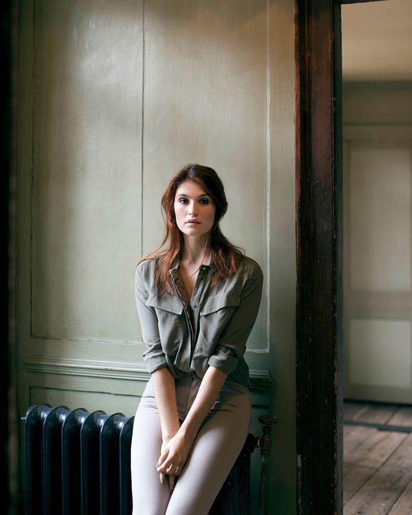 Gemma-Arterton-Jeans-Wallpapers