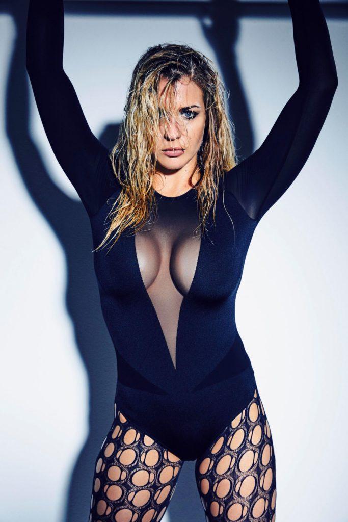 Gemma-Arterton-Swimsuit-Photos