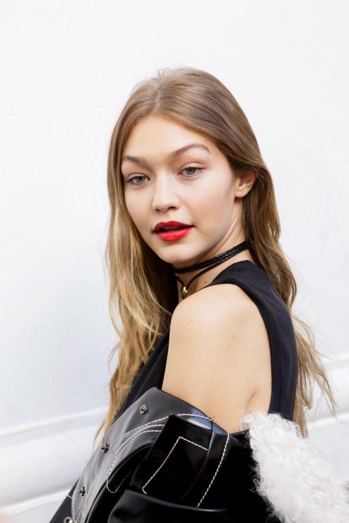 Gigi-Hadid-Sexy-Lips-Photos