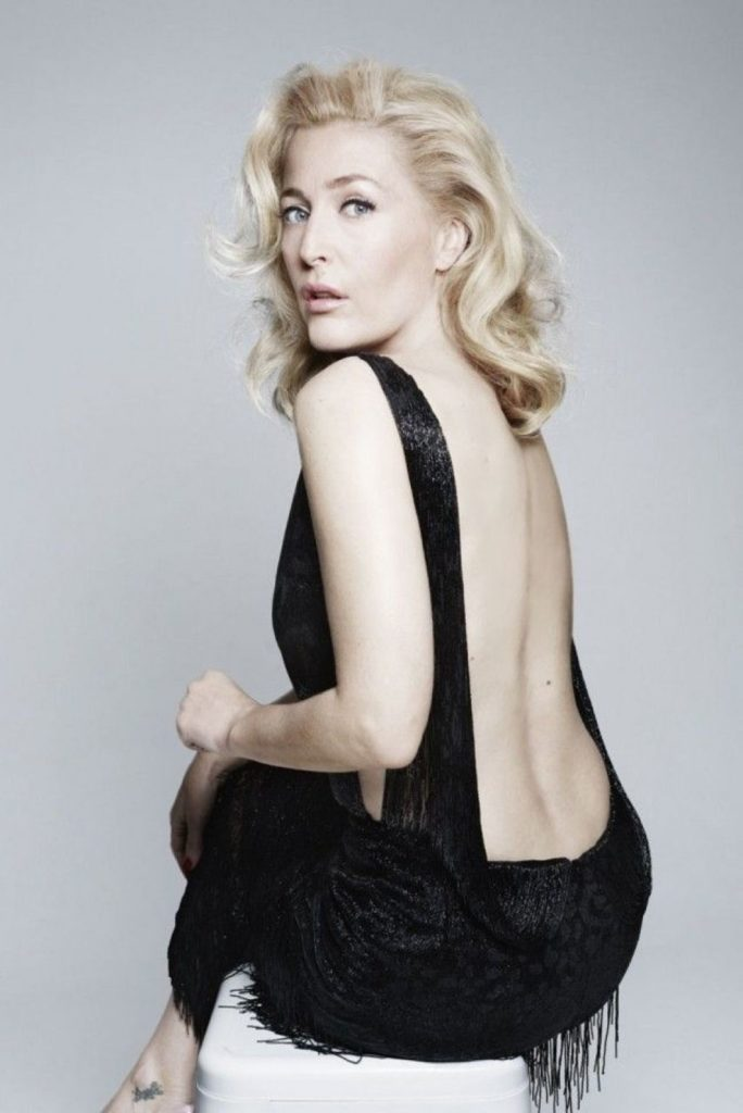 Gillian-Anderson-Backless-Images